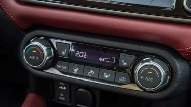 Nissan Micra 2017 petrol - dials
