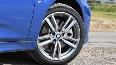 BMW 225xe Active Tourer - wheel