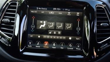 Jeep Compass - temperature control