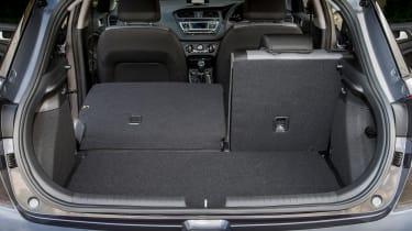Hyundai i20 Active 2016 - boot half seats folded