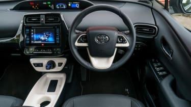 Used Toyota Prius - dash