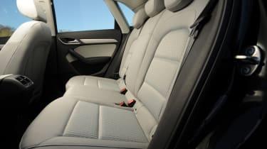 Audi Q3 2.0 TDI (2WD) rear seats