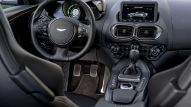 Aston Martin Vantage AMR - dash
