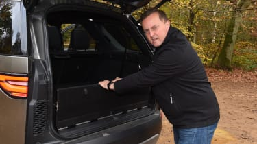 Land Rover Discovery - boot