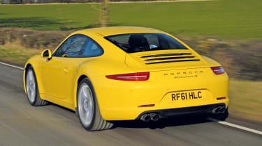 Porsche 911 Carrera S rear tracking