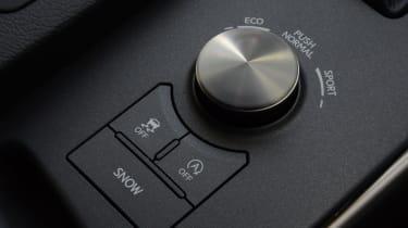 Lexus IS 200t F Sport - control