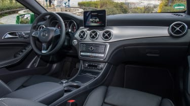 Mercedes GLA 2017 facelift interior