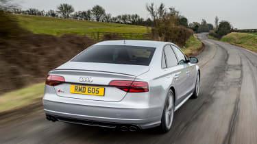 Audi S8 Plus 2016 - rear tracking