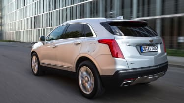 Cadillac XT5 SUV 2016 - rear tracking