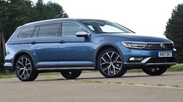 Volkswagen Passat Alltrack - blue side profile
