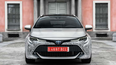 Toyota Corolla Touring Sports prototype - full front static