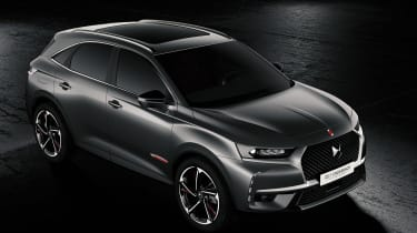 DS 7 Crossback - grey front quarter