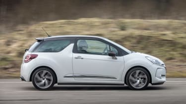 DS 3 - side