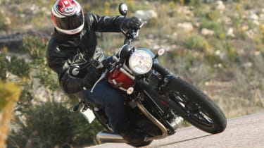 Triumph Street Twin review - front action