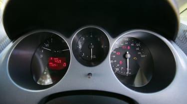 Used SEAT Altea - dials