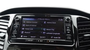 Mitsubishi L200 - central screen