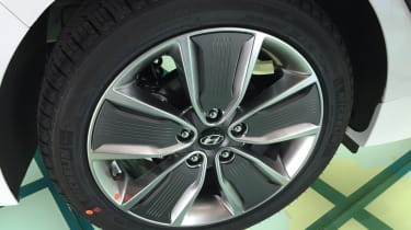 Hyundai Ioniq - Korea wheel