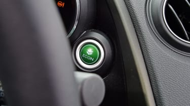 Honda Civic Sport - eco button