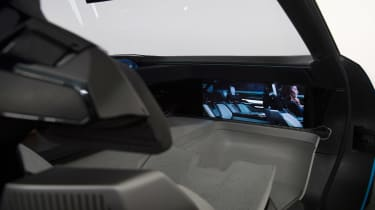 Peugeot Instinct Concept - screen