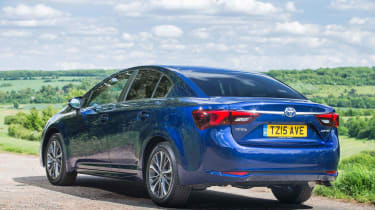 Toyota Avensis - rear static