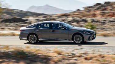 Lexus LS 500h - side
