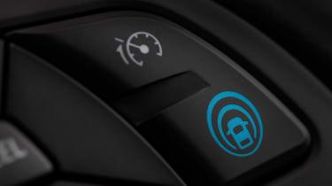 Nissan Qashqai ProPILOT - button