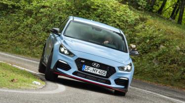 Hyundai i30 N - front cornering