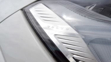 Volvo XC60 T8 - light