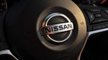 Nissan Juke - steering wheel badge