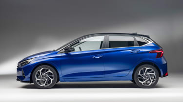 Hyundai i20 - side