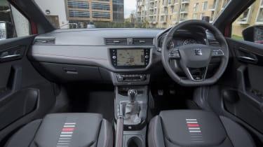 SEAT Arona FR - interior