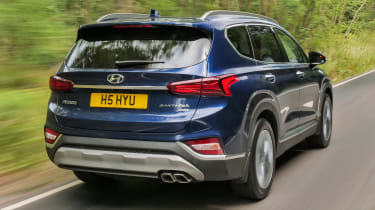 Hyundai Santa Fe - rear
