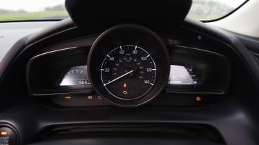 Mazda CX-3 - dials