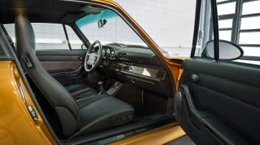 Porsche 993 911 Turbo - interior
