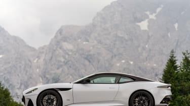 Aston Martin DBS Superleggera - profile
