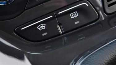 Ford Kuga Titanium 2.0 TDCi detail