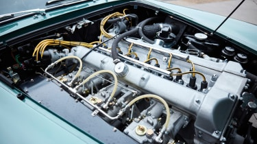 Aston Martin DB4 GT - engine