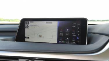 Lexus RX 450h L - sat-nav