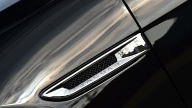 Jaguar XE - Air vent