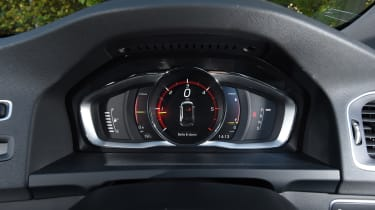 Volvo V60 D5 Twin Engine - instruments