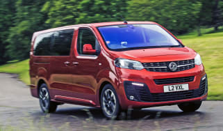 Vauxhall Vivaro Life 2019 corner