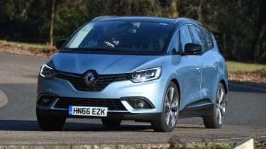 Renault Grand Scenic - front cornering