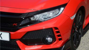 UK Honda Civic Type R 2017 - headlight