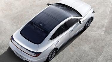 Hyundai Sontara solar panel