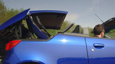 Mitsubish Colt CZC folding roof