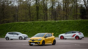 Renault Clio RenaultSport R.S.16 official - trio 2