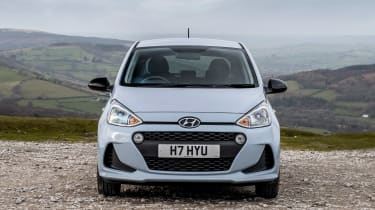 Hyundai i10 Play - full front