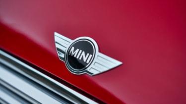 MINI Cooper D Auto - badge