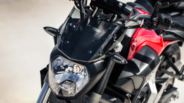 Yamaha MT-07 review - headlight