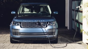 New Range Rover PHEV 2017 review - charging